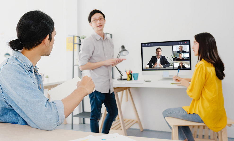 Tixeo secures your meetings but does not forget the essential: to make you live the best of video conferencing