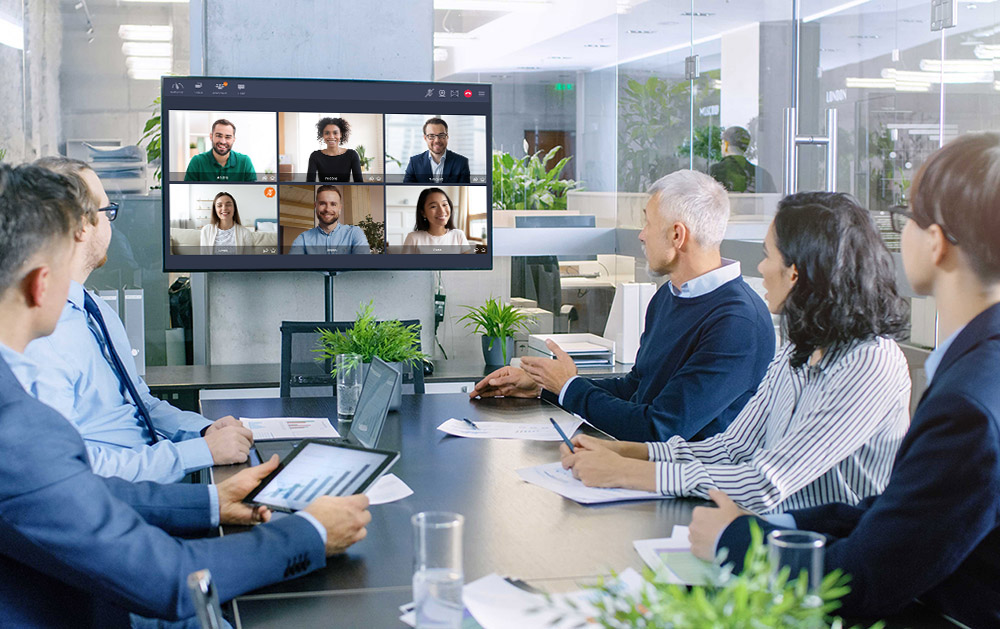 Enjoy global connectivity with the universal video conferencing gateway : TixeoGateway